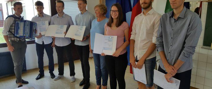 Slavje na Jurčiču – 100 % uspeh na poklicni maturi